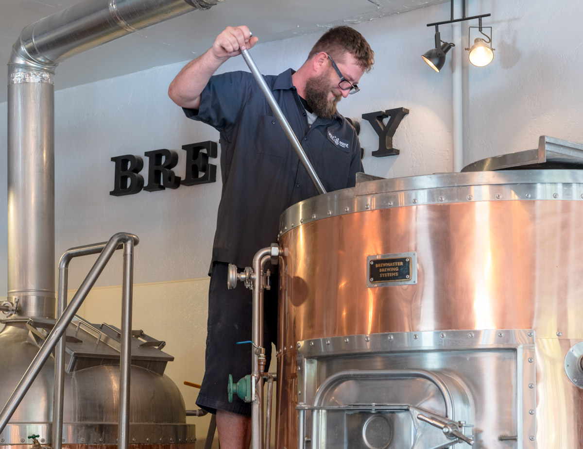 MIXING MASH - WOLF HOUSE BREWERY CLOVERDALE